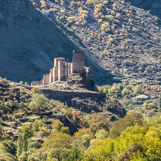 Вид издалека на крепость Хертвиси Khertvisi Fortress from afar