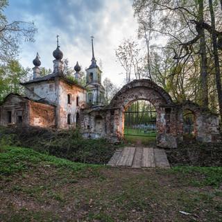 Раслово-Барское, Ярославская область. Воскресенская церковь, 1767  Rasslovo-Barskoye, Yaroslavl region. Resurrection church, 1767