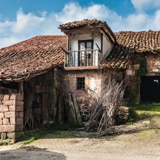 Традиционный дом с хлевом, Сан-Педро A traditional house with a cattleshed in Barrio San Pedro near Carmona