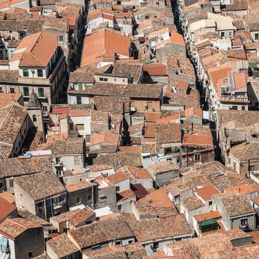 Черепичные крыши Чефалу Tiled roofs of Cefalù