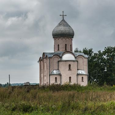 Церковь Спаса на Нередице, 1198 год, Новгородская область  Saviour church on Nereditsa Hill, built in 1198, Novgorod region