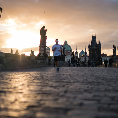 Пробежка, Карлов мост Jogging over Charles Bridge