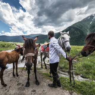 C лошадьми у источника With horses at a water well