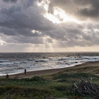 Ветренным вечером на берегу Атлантического океана  Windy evening at Atlantic coast