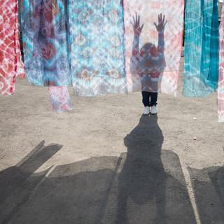 Шелковые платки и тени, Маргилан, Ферганская долина Silk scarfs and shadows, Margilan, Fergana Valley
