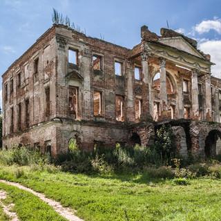 Руины усадьбы Пущино-на-Наре, 1790 Ruins of Pushchino on Nara manor, built 1790