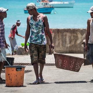 У рыболовного причала, Минделу, остров Сан-Висенти  At the fishing quay, Mindelo, São Vicente island