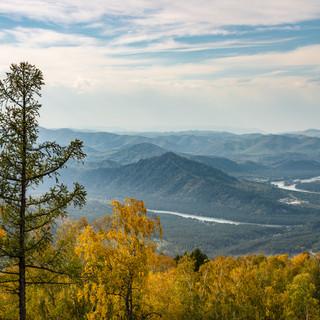 Вид со склона Малой Синюхи, Манжерок A view down from Little Sinyukha mountain slope near Manzherok village