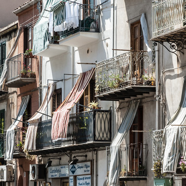 Балконы и навесы, Чефалу Balconies and awnings, Cefalù