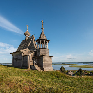 Часовня в Вершинино на берегу Кенозера, Архангельская область  Wooden chapel in Vershinino at the bank of Kenozero lake, Arkhangelsk region