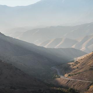 Вид с перевала Камчик по дороге из Ферганской долины в Ташкент A view from Kamchiq pass between Fergana Valley and Tashkent
