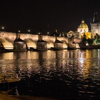 Влтава и Карлов мост ночью Vltava river and Charles Bridge at night