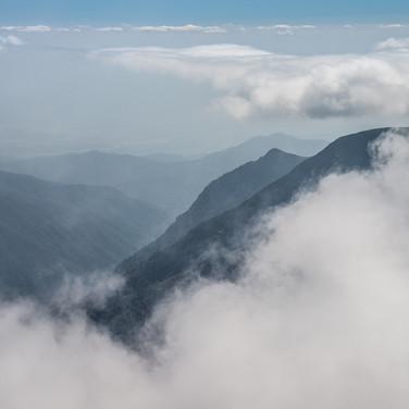 Вид в сторону Кахетии с перевала Абано  A view down towards Kakheti region from Abano Pass