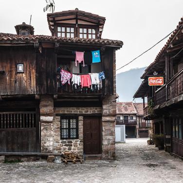 Традиционная сельская атмосфера в Барсена Майор Traditional rural atmosphere in the village of Bárcena
