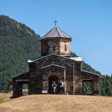 Церковь в Шенако – единственная действующая церковь в Тушетии  The church in Shenako village, the only standing church in Tusheti