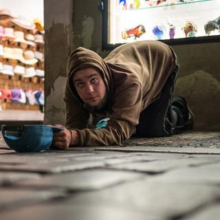 Попрошайка, Прага Begging in a street, Prague
