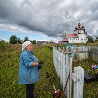 На кладбище у Лядинского погоста, Архангельская область  In the cemetery at Lyadiny village, Arkhangelsk region