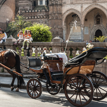 У кафедрального собора в Палермо At the Cathedral, Palermo