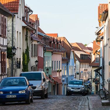 Улица в городе Варен (Мюриц) A street in Waren (Müritz)