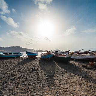 Рыбацкие лодки, Саламанса, остров Сан-Висенти  Fishermen's boats, Salamansa, São Vicente island