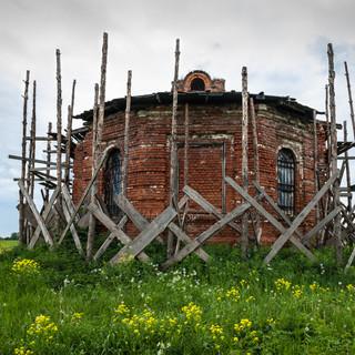 Руины церкви недалеко от Зарайска A ruined church near the town of Zaraysk