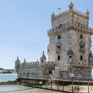 Башня Торри-де-Белен в типичном стиле мануэлино, 1515-1521 Torre de Belém built in 1515-1521 in typical Manuelino style