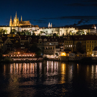 Градчаны и Пражский Град ночью Hradčany district and Prague Castle at night