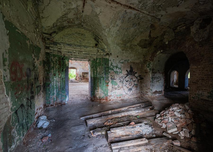 Внутри Сретенской церкви