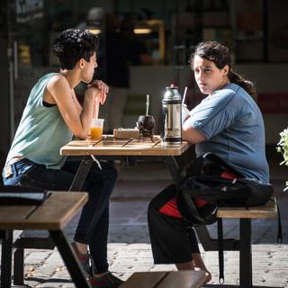 Уругвайцы пьют мате везде – даже за столиками «Макдонслдса»  Uruguayans drink maté everywhere, even at McDonalds tables