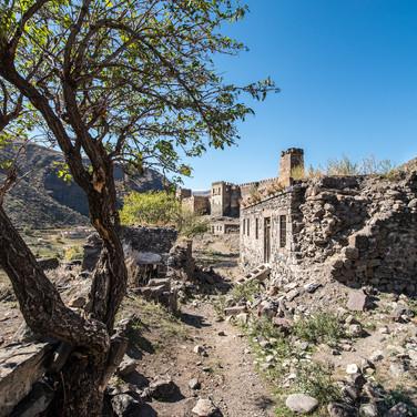 Руины древней крепости Хертвиси Ruins of the ancient Khertvisi fortress