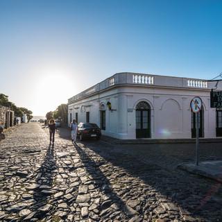 Колония-дель-Сакраменто – главный исторический город Уругвая, тут сохранилась старая колониальная застройка 16-18 веков  Colonia del Sacramento is the main historical attraction in Uruguay, with intact buildings from 16-18 centuries