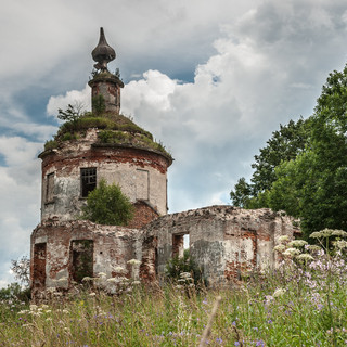 Руины церкви в Шимоново Ruins of the church in Shimonovo