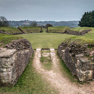 Римский мфитеатр в Каерлеоне Roman amphitheatre in Caerleon
