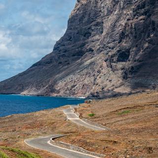 Прибрежная дорога, остров Сан-Николау  A coastal road, São Nicolau island