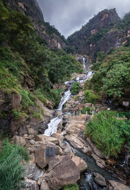 Водопад Равана Элла, один из самых живописных в Шри-Ланке  Ravana Ella Falls, one of the most spectacular in Sri  Lanka