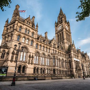 Викторианский Манчестер: неоготическая городская ратуша, построенная в 1870-х Victorian Manchester: Neo-gothic Town Hall built in 1870s