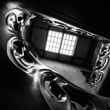 Архитектурная геометрия Шехтеля: знаменитая парадная лестница в особняке Рябушинского в Москве Schechtel's architectural geometry: the famous main stairway in Ryabushinsky's house, Moscow