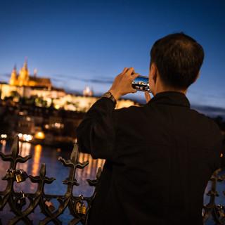 Фотографируя Пражский Град вечером Taking photos of Prague Castle at night