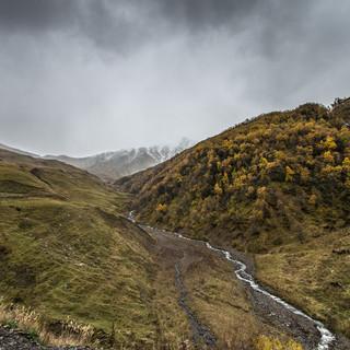 Дорога к перевалу Медвежий Крест Way up to Bear's Cross Pass