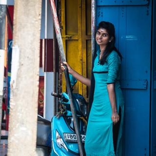 Улыбка в переулке, Тринкомали  A smile in a side street, Trincomalee