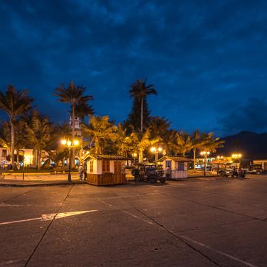 Пласа-Майор, главная площадь Саленто Plaza Mayor, the main square of Salento