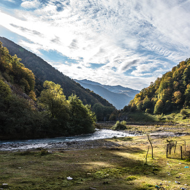 Долина Белой Арагви рядом с городом Пасанаури, родиной хинкали White Aragvi valley near the town of Pasanauri