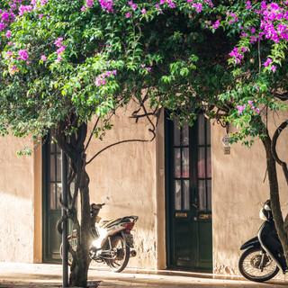 На улицах города Колония-дель-Сакраменто  In the streets of Colonia del Sacramento town