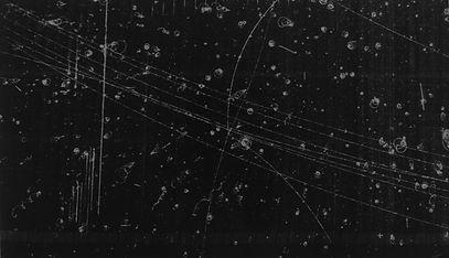 bubble-chamber-event-elastic-antiproton-proton-scatter-near-180-degrees-in-cc6447-1600_edi