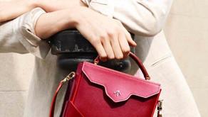 똑! 떨어지는 담백한 디자인의 핸드백,  마누 아틀리에 (MANU atelier)