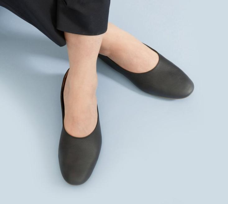 Everlane The Day Glove Shoes Kongdeals 콩딜은 핫딜, hot deals, 할인쿠폰,아마존 할인코드,  아마존 쿠폰 코드, coupons, coupon code, promo code, freesbees,  무료 선물등  특별히 선별된 미국 쇼핑채널 및  브랜드 정보를  매일 공유합니다.