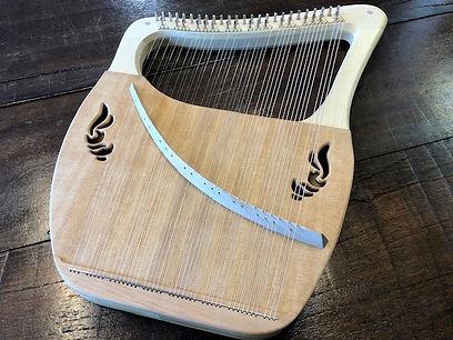 ライアーアフロディーテの竪琴エンジェル2.jpg