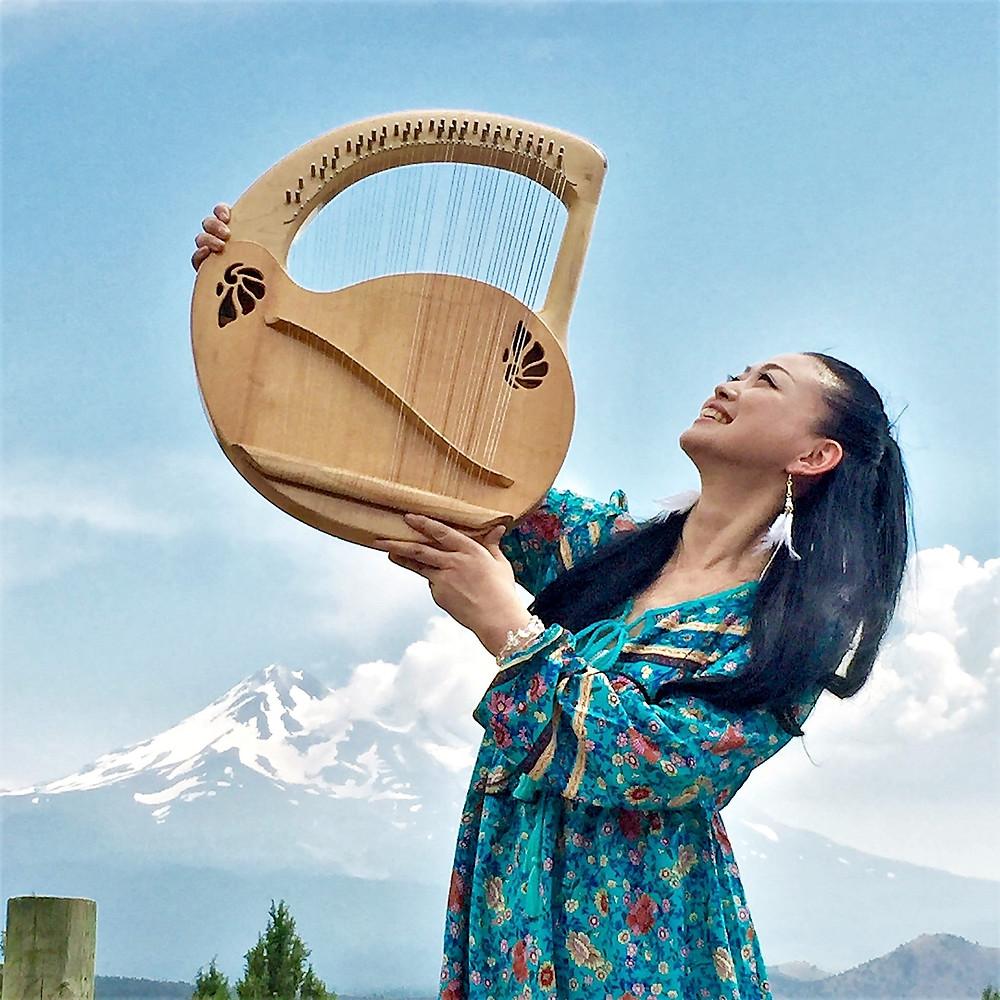 セレナ先生 アメリカ シャスタにて 竪琴 ライアー