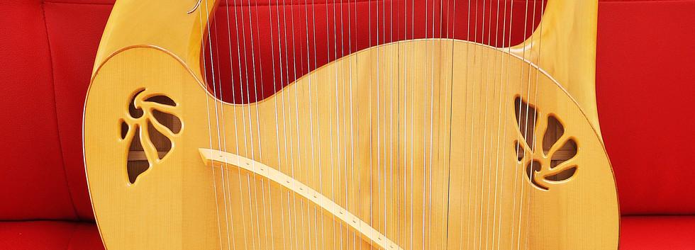 アフロディーテの竪琴:ライアー6.JPG