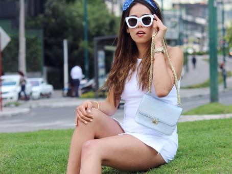 #StreetStyle All White + Blue